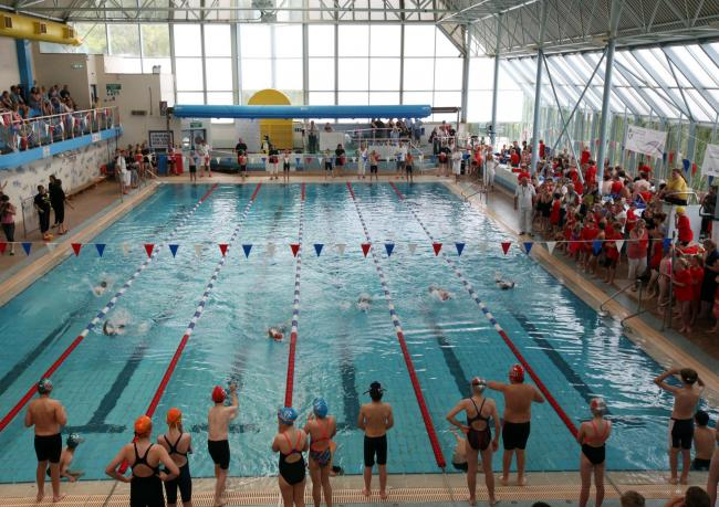 Winchester Primary Schools Swimming Gala at River Park Leisure Centre.     Picture: Chris Moorhouse.