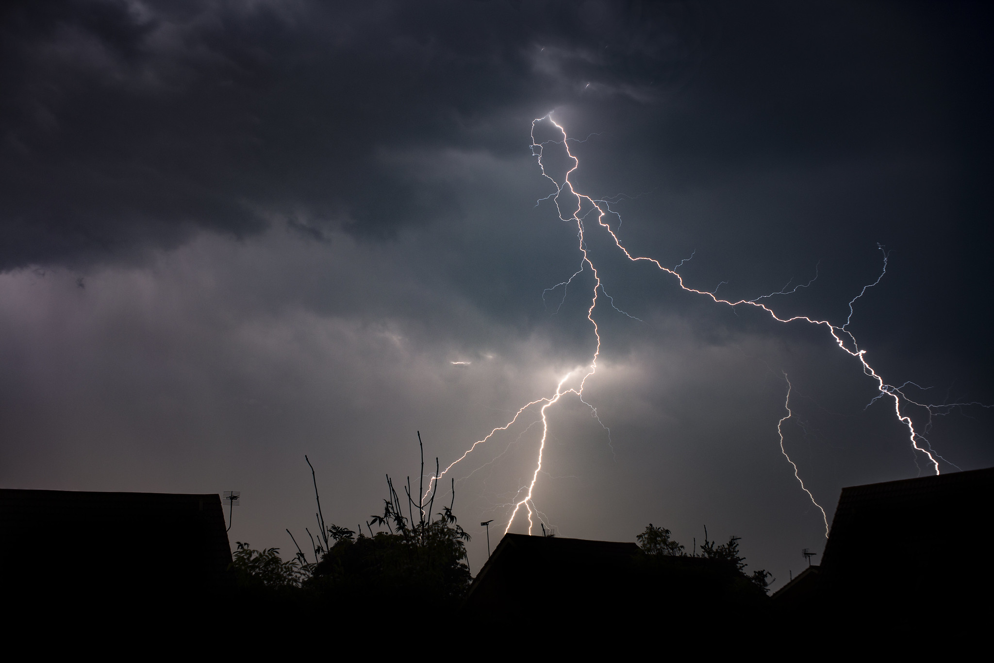 Warning of thunderstorms for four days in Winchester and Hampshire