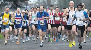 Hampshire Chronicle: OUT OF THE BLOCKS: The Romsey 5 gets under way at Broadlands estate.