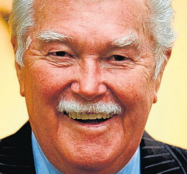 Former sports presenter Dickie Davies is supporting a concert at Winchester College in aid of Brendoncare