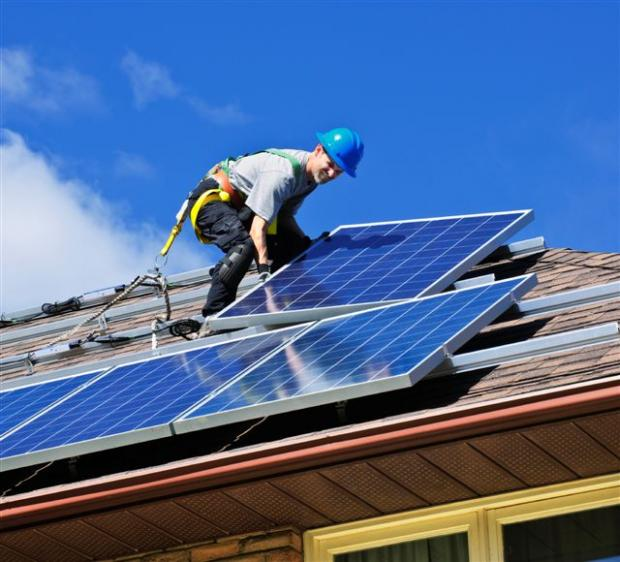 Meeting in Winchester will hear how people can set up their own solar power stations