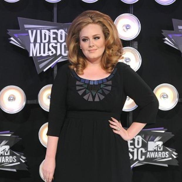Adele has taken to Twitter to set the record straight