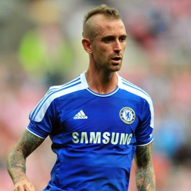 Raul Meireles looks set to leave Chelsea for Fenerbahce