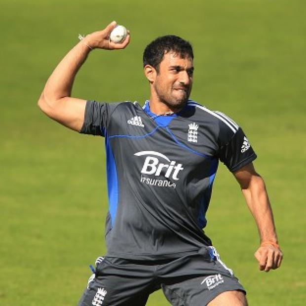 Ravi Bopara lost his place in the England team, who chose to bowl after winning the toss