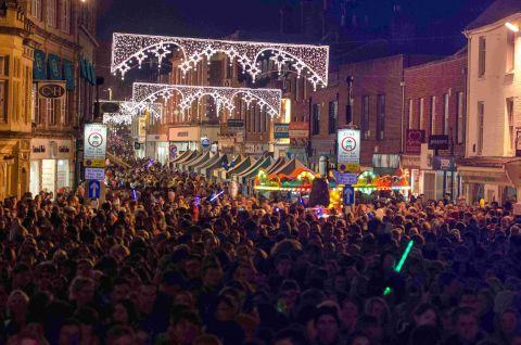 Thousands fill Winchester for Christmas lights switch-on - Thousands Fill Winchester For Christmas Lights Switch-on Hampshire