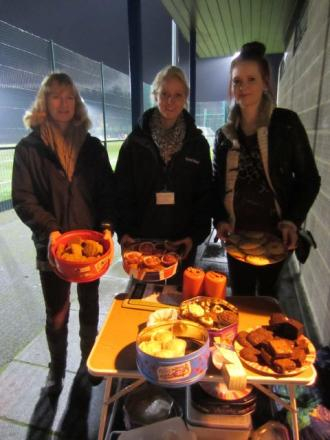 (L-r) Stella Bowling, Street Reach administrator, Laura Myhill, youth worker, and Michelle Cavnor, service user, at the cake sale
