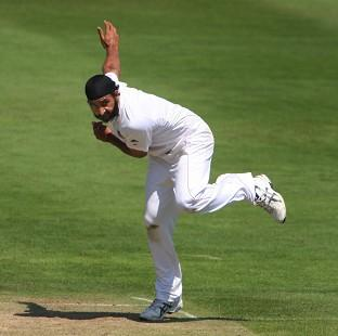 Hampshire Chronicle: Monty Panesar continued to shine on a pitch which proved difficult for England's bowlers