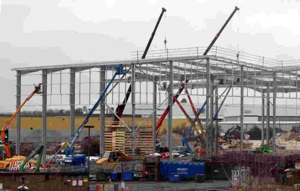 Buildimng work at Sainsbury's distribution centre makes rapid progress at Houndmills Industrial Estate