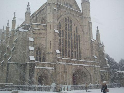 Hampshire Chronicle: Peace chants in Winchester Cathedral this Sunday