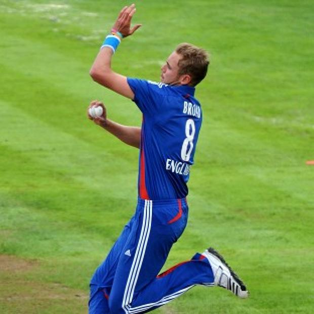 Stuart Broad came through a bowling session with no ill-effects as he recovers from a bruised heel
