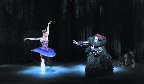 Vadim Muntagirov and Tamara Rojo in Sleeping Beauty