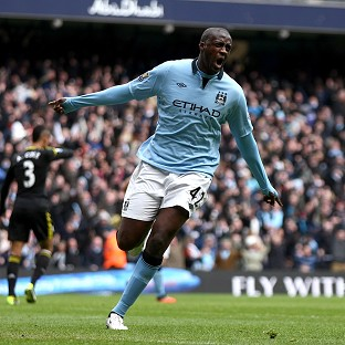Yaya Toure scord the opening goal for Manchester City against Chelsea