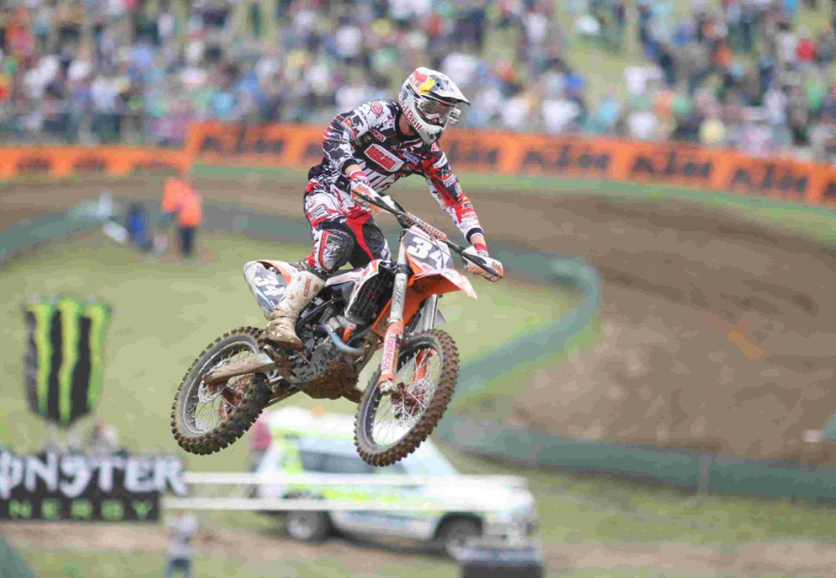 Motocross spectacular in Winchester