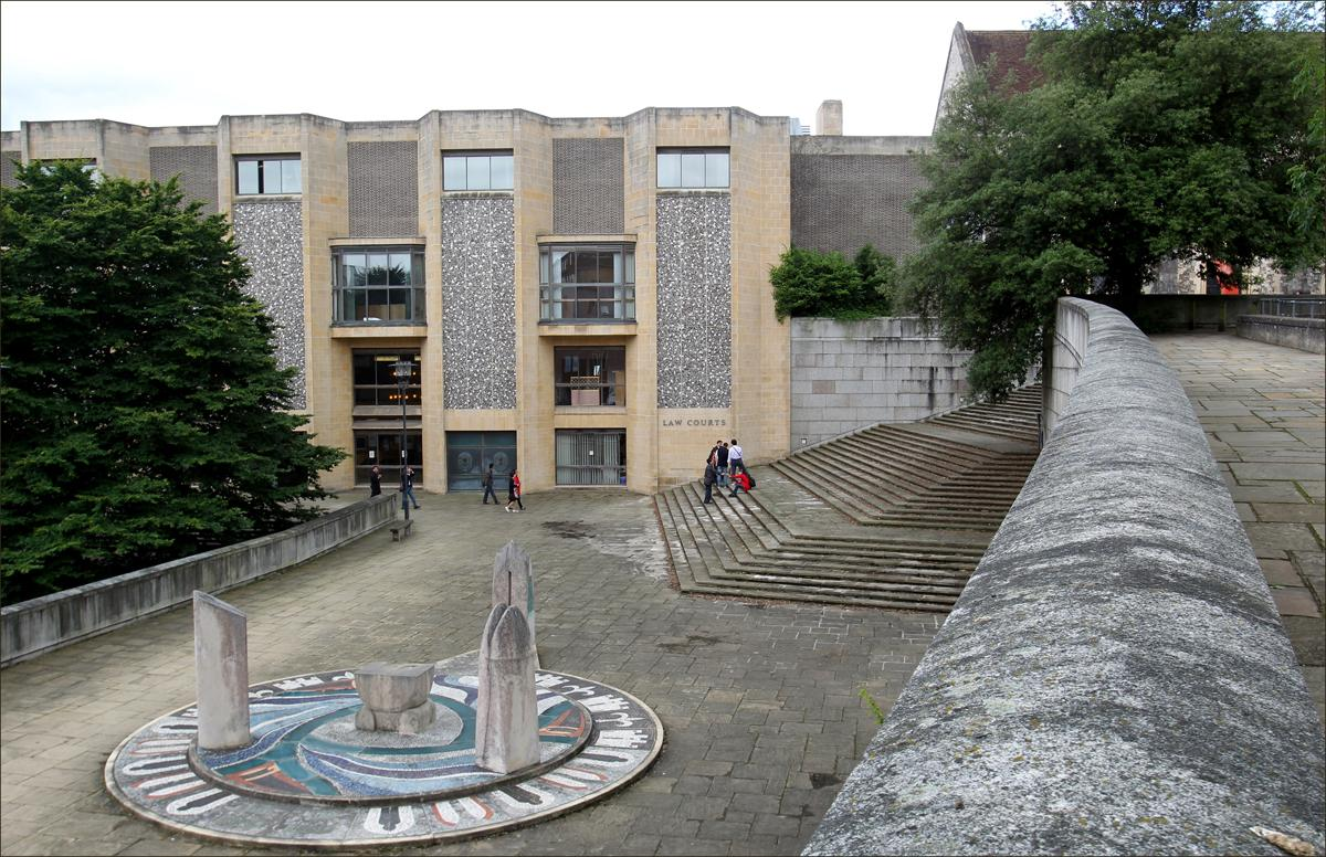 Teen narrowly avoids jail sentence for dealing class A drugs to Winchester  students
