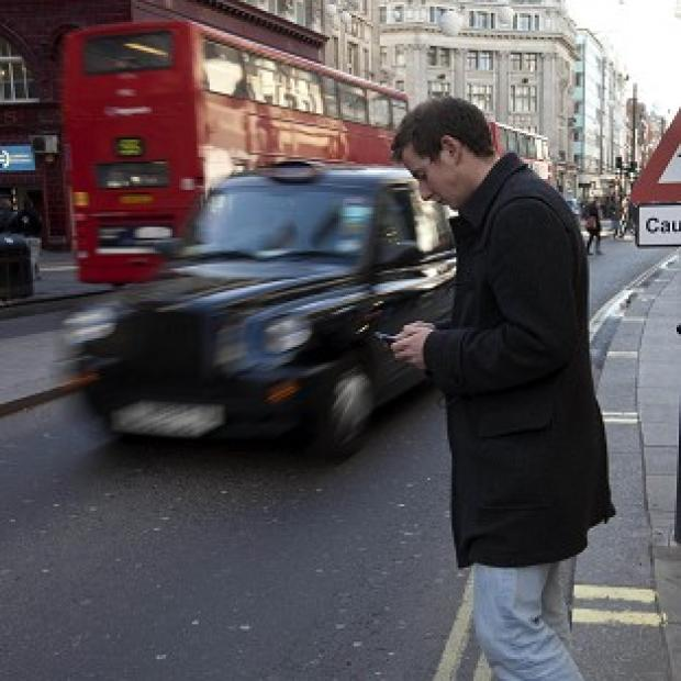 Hampshire Chronicle: Walking and texting could expose users to danger, according to researchers