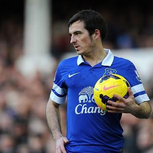 Leighton Baines has signed a new four-year de
