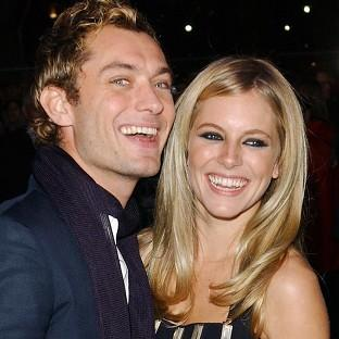 Hampshire Chronicle: Jude Law and Sienna Miller