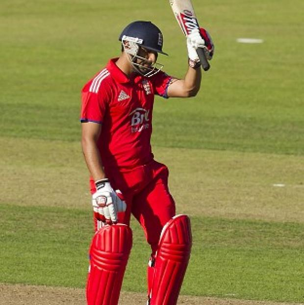 Hampshire Chronicle: Ravi Bopara top-scored for England with 65