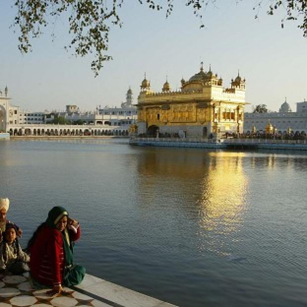 Hampshire Chronicle: Hundreds died in the Indian operation to clear Sikh separatists   from the Golden Temple of Amritsar