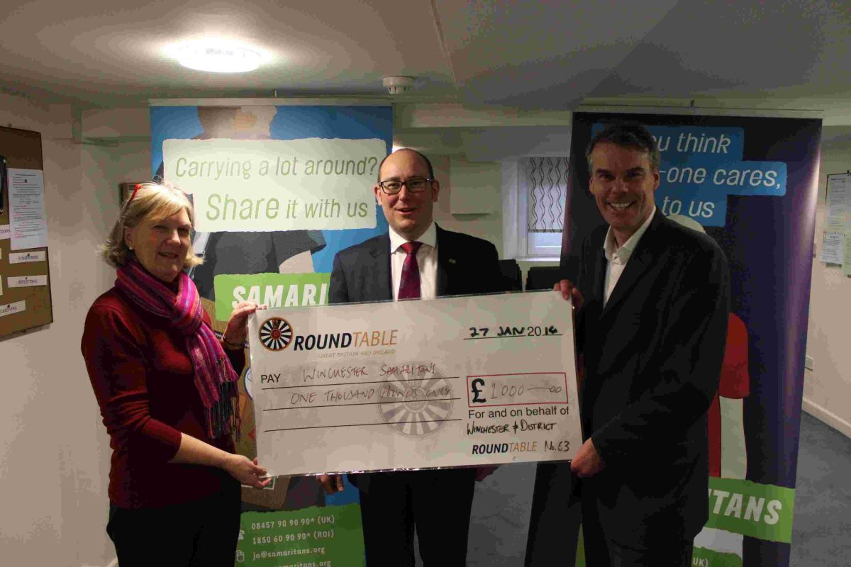 From left to right: Pauline Payne, chair of fundraising Winchester Samaritans, John Leeson, chairman of Winche