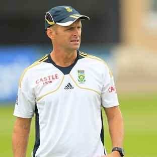 Gary Kirsten has said he will not be taking over as England's new director of cricket