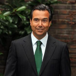 Lloyds Banking Group boss Antonio Horta-Osorio could get a shares win