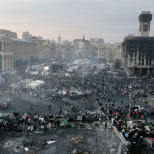 EU acts over Ukraine as deaths rise