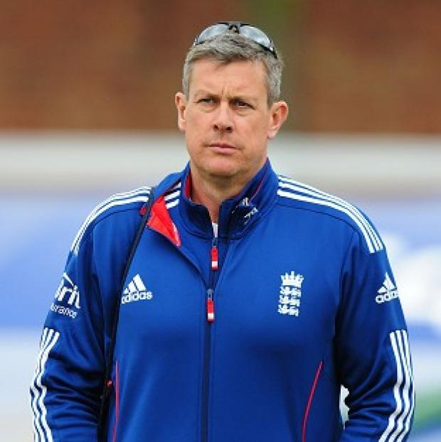 Hampshire Chronicle: Ashley Giles has distanced himself from the public row between Kevin Pietersen and Matt Prior