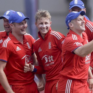 England on course for welcome win