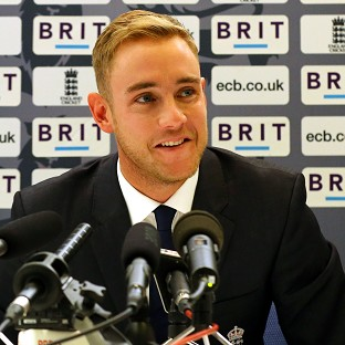 Stuart Broad expects to be fit for the World Twenty20 despite knee trouble