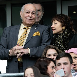 Hull City chairman Assem Allam has threatened to quit if his plans are blocked