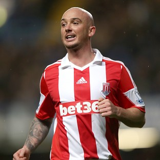 Stephen Ireland has signed a new three-year deal at Stoke