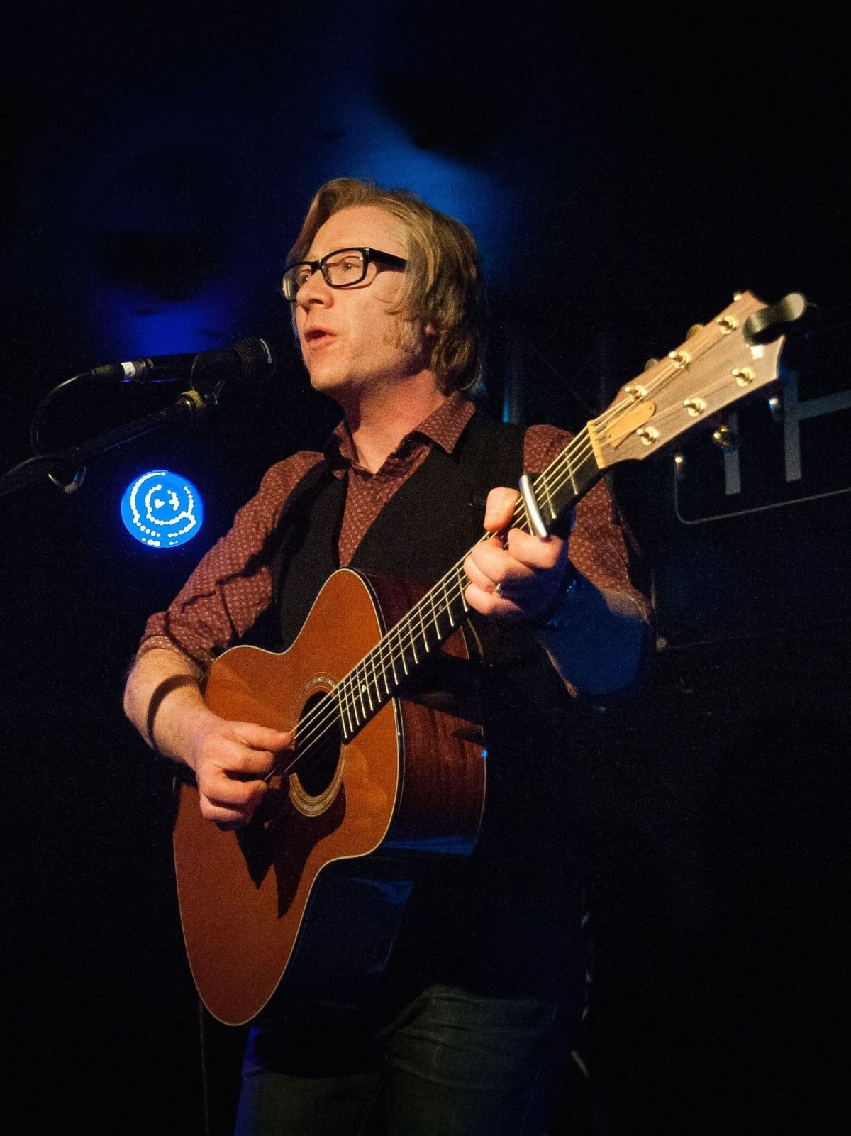 Folk singer songwriter Darren Black, who lives in the village near Winchester, will play at Twyford Village Hall in June