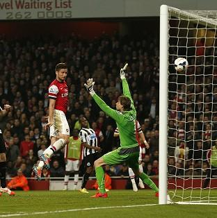 Hampshire Chronicle: Olivier Giroud heads in Arsenal's third