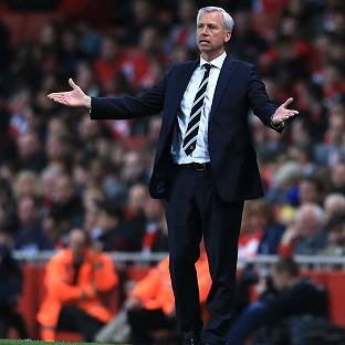 Alan Pardew received criticism from the travelling Newcastle fans