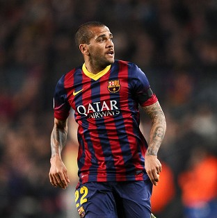 Dani Alves has been praised by several footballers after he ate a banana thrown at him during Barcelona's match at Villarreal