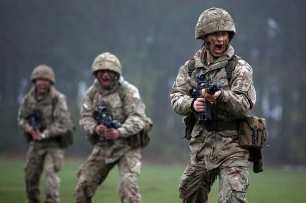 Hampshire Chronicle: Taster day for would-be Army reservists at Winchester barracks