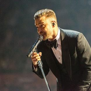 Justin Timberlake has duetted with Michael Jackson on the remix of Love Never Felt So Good