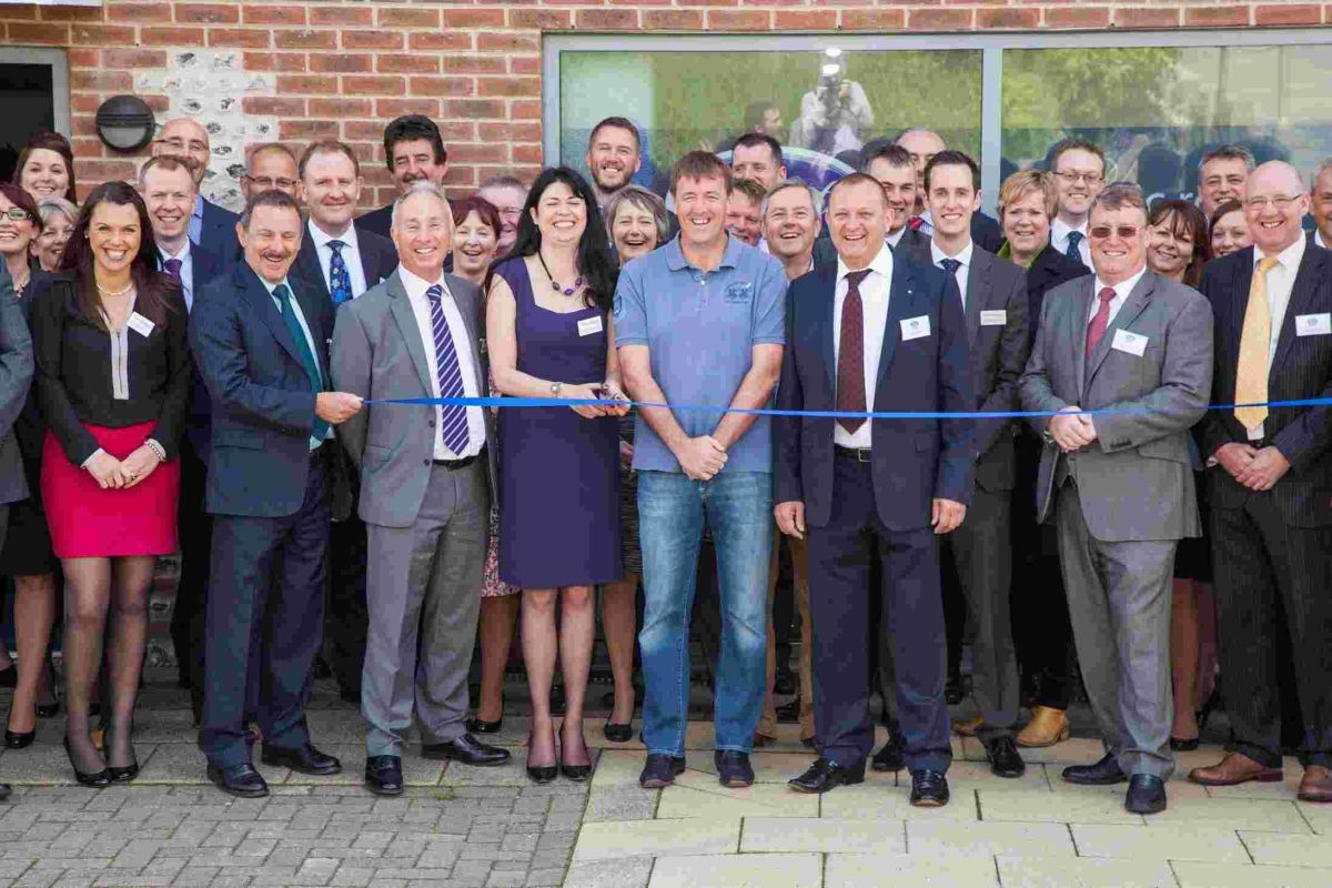 Matt Le Tissier has helped law firm, Eric Robinson Solicitors open a new office in Winchester.