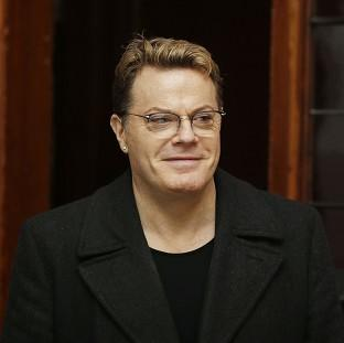 Eddie Izzard is to perform his latest comedy show in three different languages to mark the 70th anniversary of D-Day.