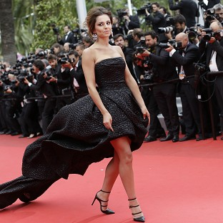 Cheryl Cole captivates at Cannes