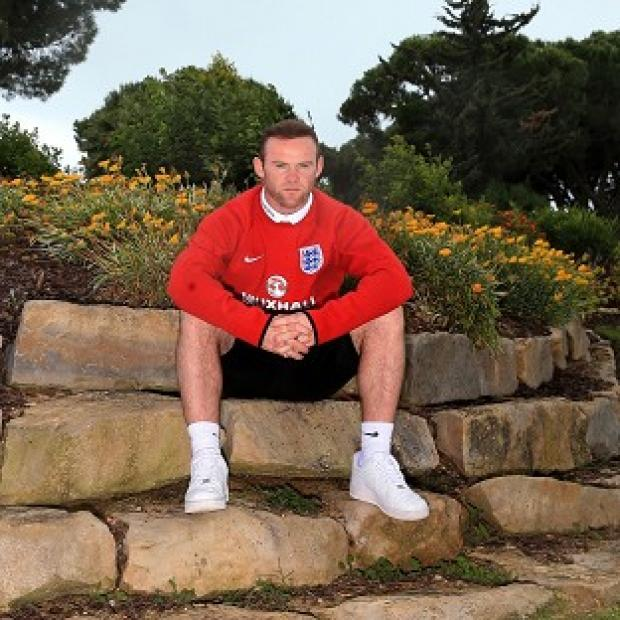 Hampshire Chronicle: Wayne Rooney is hoping for some pointers from Dr Steve Peters