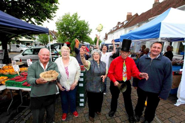 Market traders celebrate 800 years of trading.
