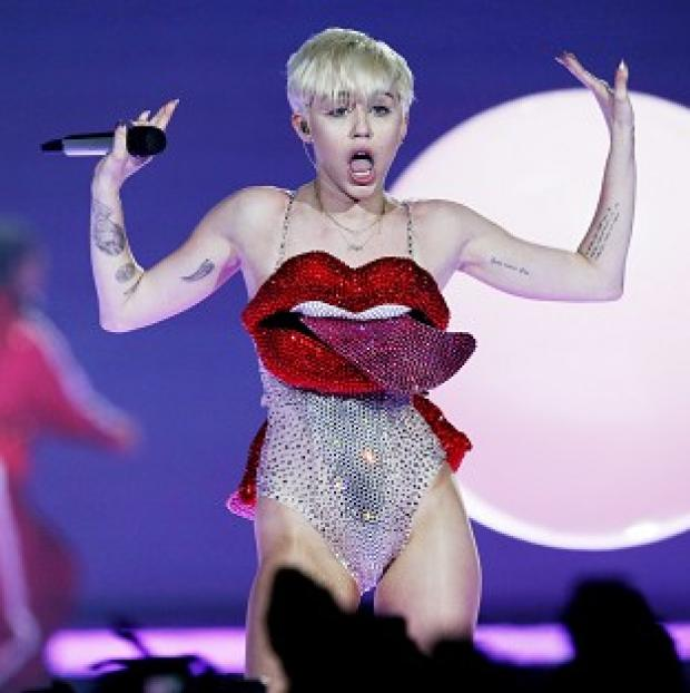 Hampshire Chronicle: Miley Cyrus has denied she told a vomiting Jennifer Lawrence to pull herself together