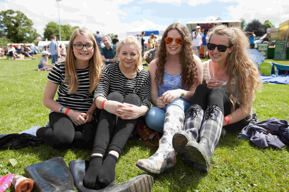 Crowds surge to weekend musical festival near Winchester