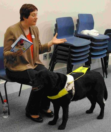 oe Legg from Guide Dogs for the Blind and her faithful companion Fizz gave the presentation to the children