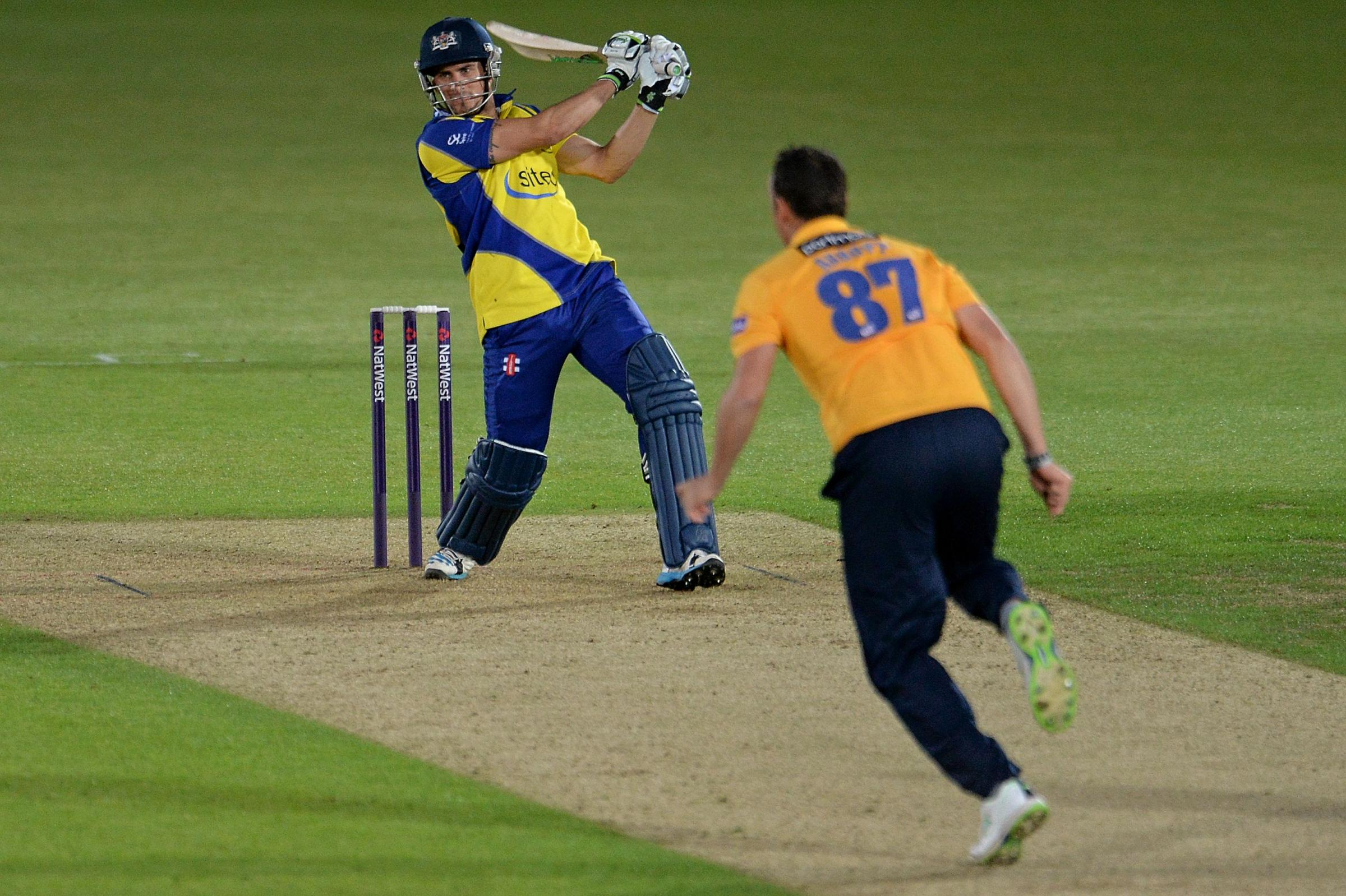 Hants win T20 thriller