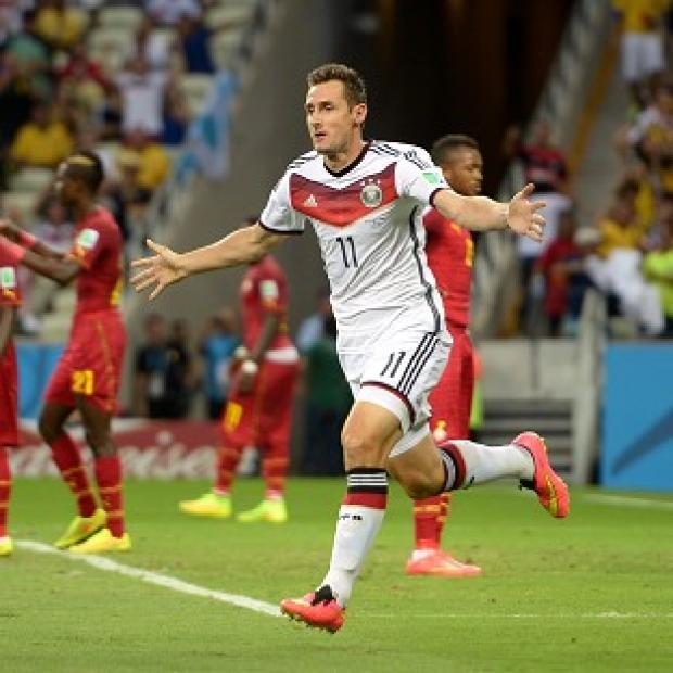 Hampshire Chronicle: Miroslav Klose rescued a point 20 minutes from time for Germany