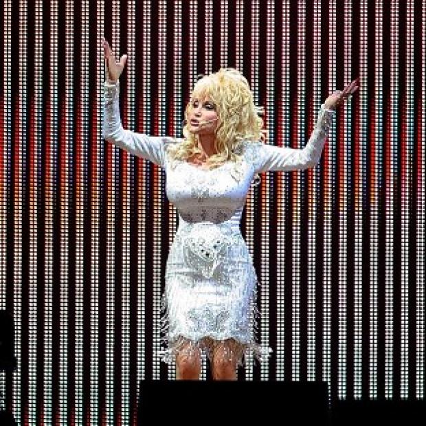 Hampshire Chronicle: Dolly Parton will take to the Glastonbury stage