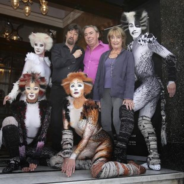 Hampshire Chronicle: Trevor Nunn, Andrew Lloyd Webber and Gillian Lynne with performers from the musical Cats